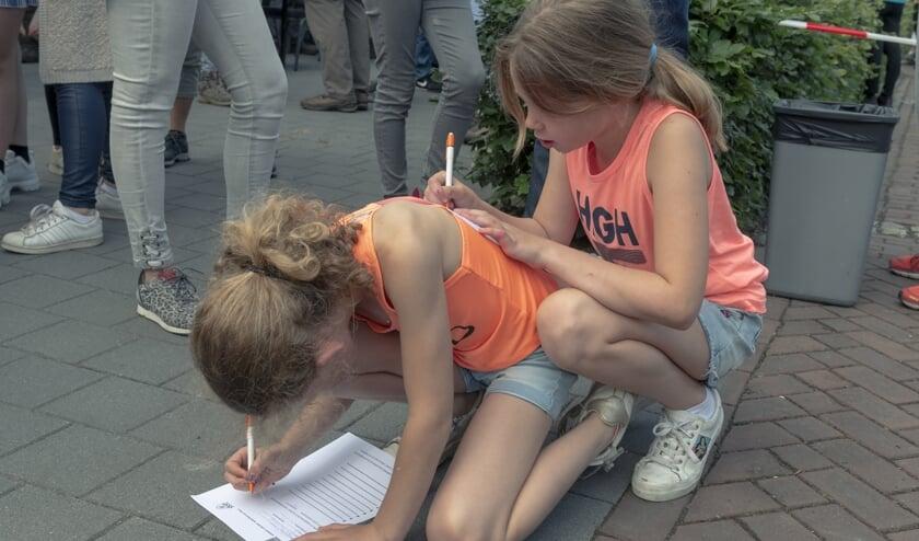 Deze meiden hebben een slimme constructie bedacht.   | Fotonummer: 0be79e