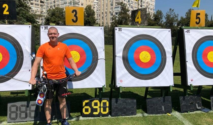 Sjef v.d. Berg schiet Europees record.   | Fotonummer: 33426a