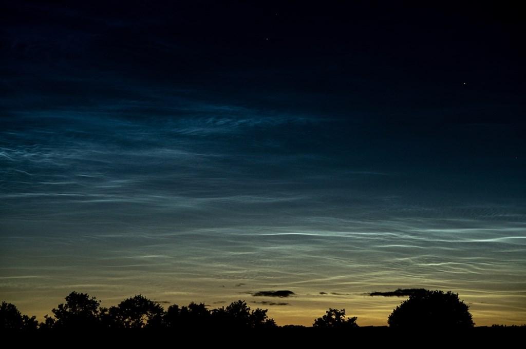 Lichtende Nachtwolken - Maartje Bogaerts Foto: Maartje Bogaerts © MooiRooi