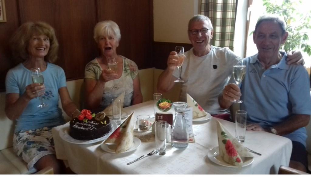 50 jaar getrouwd en nog verrast in Oostenrijk! Familie der Kinderen  © MooiRooi