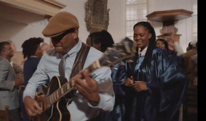 Dit is een fragment uit de videoclip.   | Fotonummer: 415e55