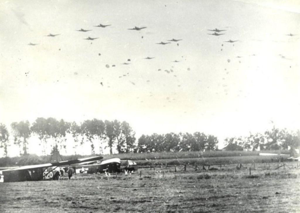 Gliders op de Sonse heide  © MooiRooi