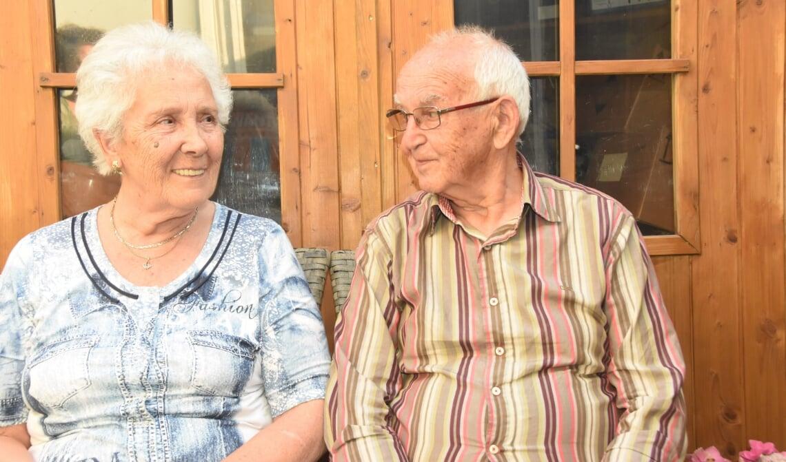 Harrie en An van Genugten-Hulsen vierden zondag hun diamanten huwelijksjubileum