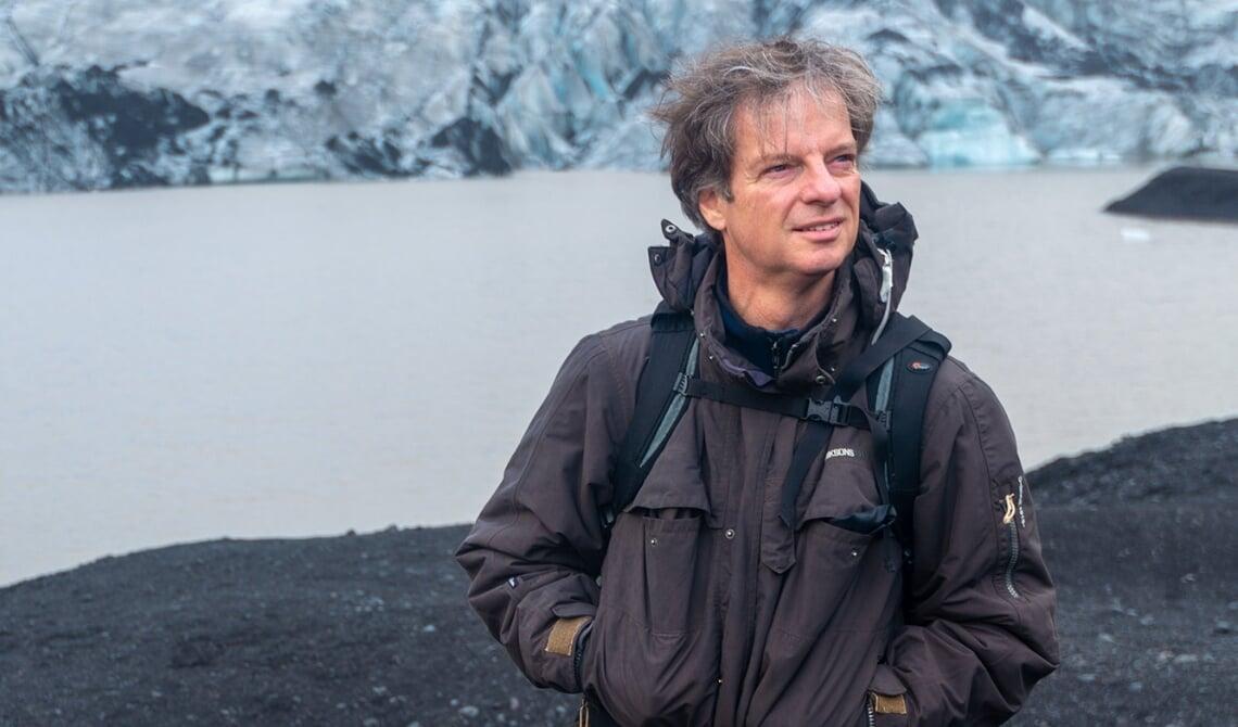 <p>Gerry van Roosmalen in het door hem geliefde IJsland</p>