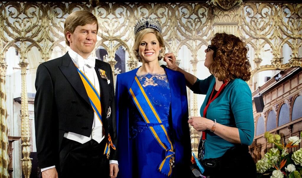 Koning Willem-Alexander en koningin Maxima in Madame Tussauds. Precies een jaar na de troonswisseling in 2013 verwelkomt het wassenbeeldenmuseum de beelden van het koningspaar.  ( beeld anp/Koen van Weel)