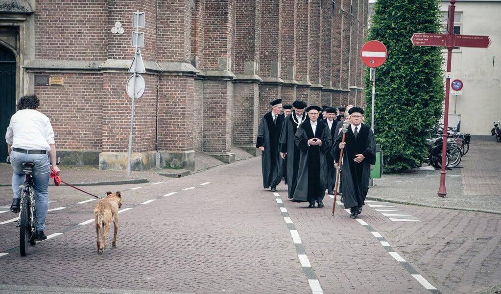 Hoogleraren van de Theologische Universiteit Kampen.  (beeld Maarten Boersema en Dick Vos)