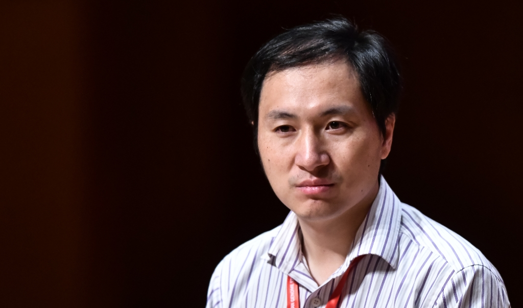 Tijdens een conferentie in Hongkong maakte de Chinese wetenschapper He Jiankui bekend dat hij het DNA van de embryo's van een tweeling had aangepast.  (beeld Anthony Wallace)