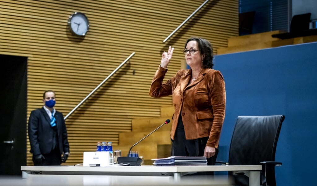 Tamara van Ark wordt gehoord door de parlementaire enquetecommissie.  (beeld anp / Remko de Waal)