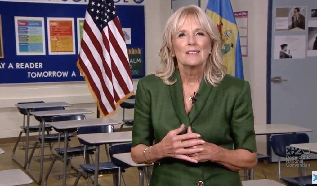 Jill Biden is vast van plan weer terug te gaan naar haar reguliere bestaan als docent, zei ze onlangs tegen de Amerikaanse televisiezender CBS.  (beeld afp)