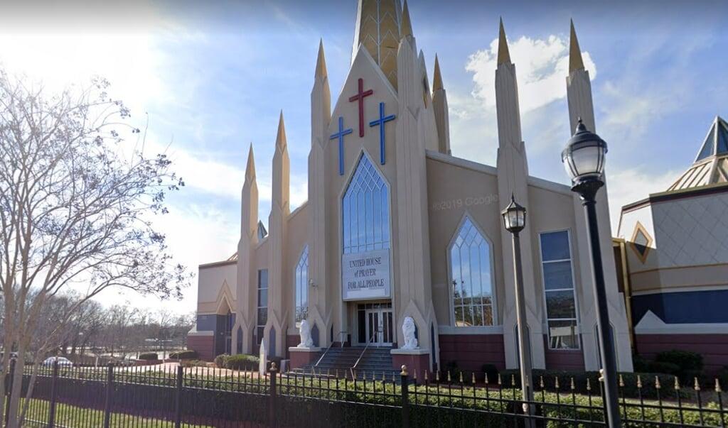 De United House of Prayer for All People, een pinkstergemeenschap in Charlotte.  (beeld google streetview)