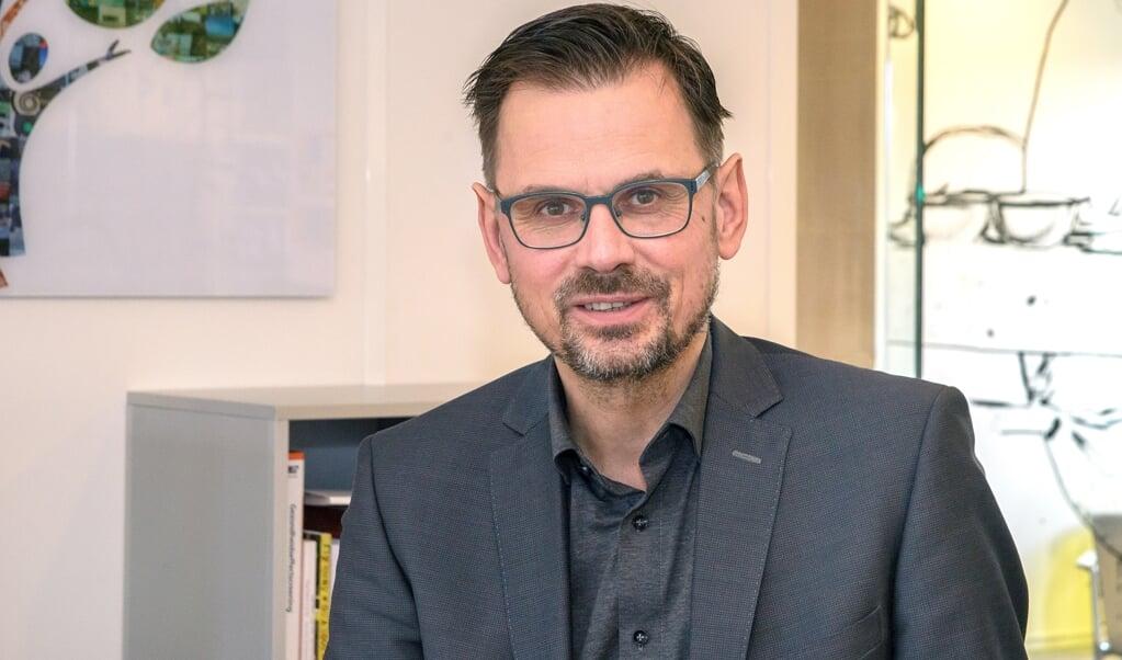 """Voorzitter André Rouvoet van koepelorganisatie GGD-GHOR: 'Als de minister te hard loopt, bel ik hem: """"Nu even niet, Hugo"""".'  (beeld Hans-Lukas Zuurman)"""