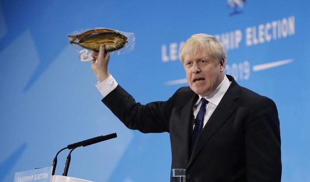 Voor de Britse premier Johnson betekent brexit ook: zeggenschap over Britse wateren.  (beeld afp / Tolga Akmen)