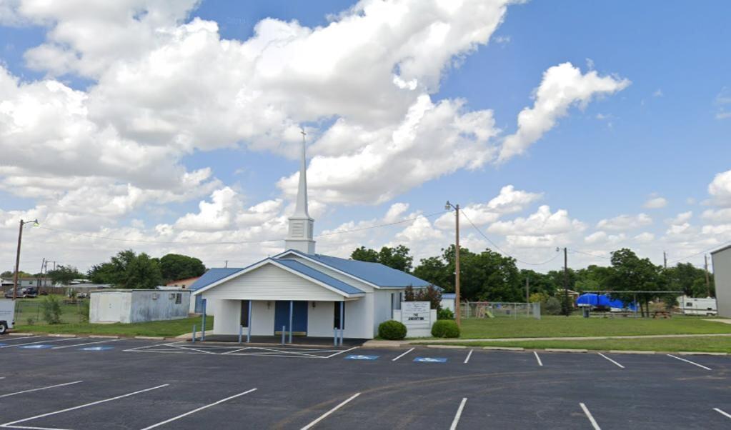 Het gebouw van de Ranchland Heights Baptist Church in Midland.  (beeld google maps)