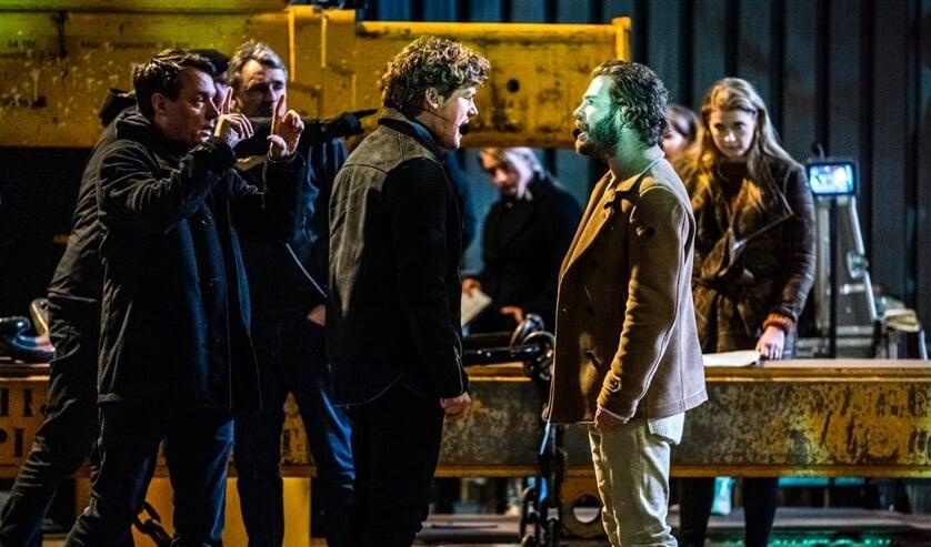 Acteurs Soy Kroon als Judas en Tim Akkerman als Jezus op de set tijdens vooropnames voor The Passion, het jaarlijkse live paasevenement dat te zien is bij de EO.  (beeld anp / Rob Engelaar)