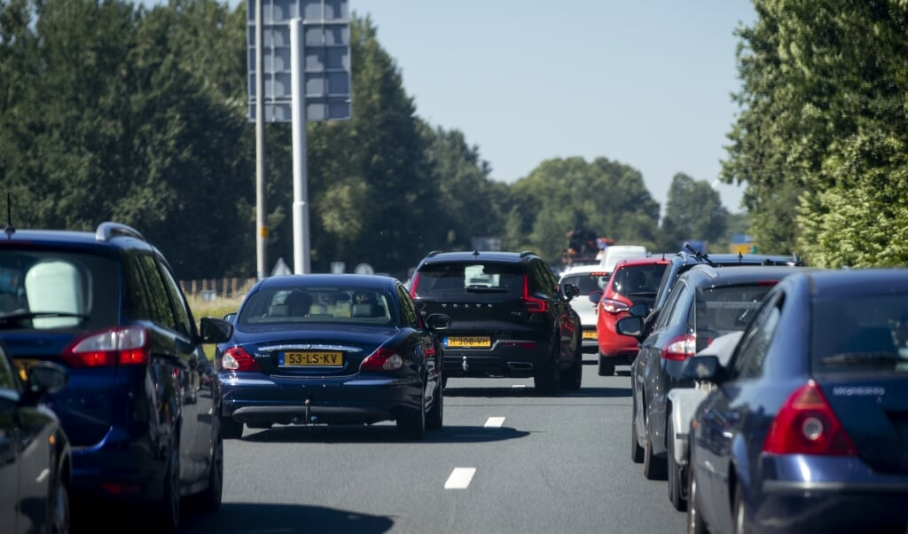 File op de weg naar Zandvoort.  (beeld anp / Laurens Bosch)