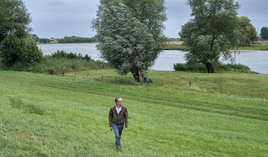 's Heerenbroek, 26 augustus 2020. Wim Eikelboom. De IJssel ter hoogte van 's Heerenbroek.  (beeld Dick Vos)