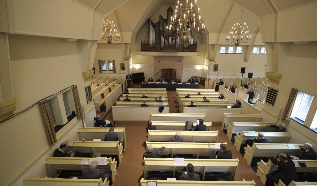 Is de wil van de synode wet, wat blijft er dan over van de lange strijd tegen een centraal leergezag? Beeld: de synode van de Christelijke Gereformeerde Kerken kwam vorig jaar bijeen in Nunspeet.  (beeld Dick Vos)