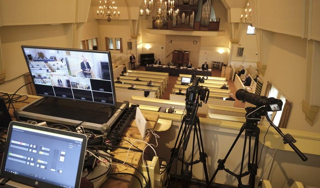 Vergadering van de landelijke synode CGK in de Dorpskerk (CGK) in november 2020. Vanwege Covid-19 zaten de afgevaardigden op minimaal 1,5 meter van elkaar af.  (beeld Dick Vos)