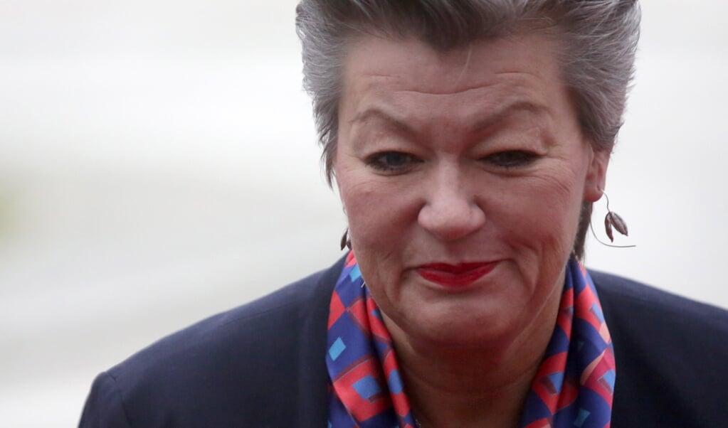 Ylva Johansson: 'Ik maak me grote zorgen. Frontex moet vertrouwd worden door mij, door de lidstaten, door de burgers, door derde landen.'  (beeld epa / Daniel Kasap)
