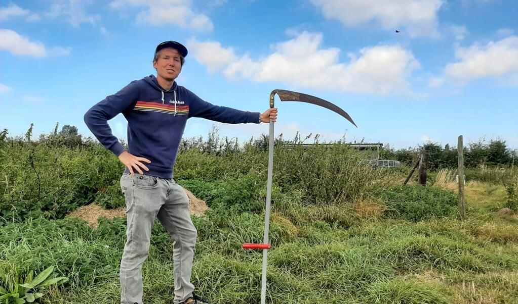 Bart Goudeseune: 'Liefst maai ik met de zeis. Dat is beter voor de dieren.'  (beeld nd)