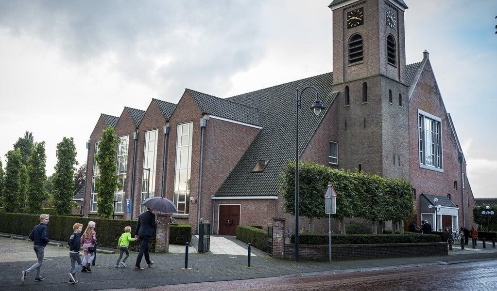 De Hersteld Hervormde Kerk in Staphorst laat vanaf komende zondag minder bezoekers toe in hun diensten.  (beeld anp / Vincent Jannink)