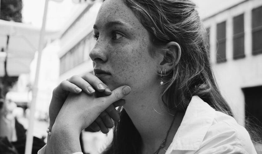 Vwo-scholiere Fleur (17) schreef een ingezonden brief over Squid Game: 'Ik krijg er een naar gevoel van'