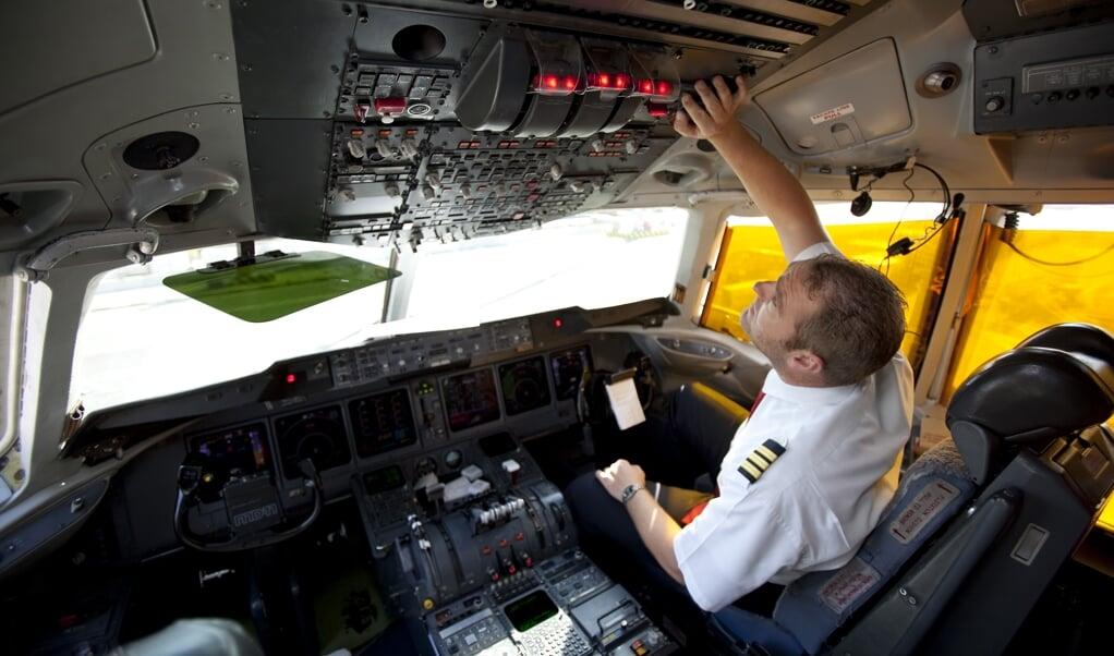Piloten zijn somberder over hun toekomstperspectieven dan in 2019.  (beeld anp / Nils van Houts)