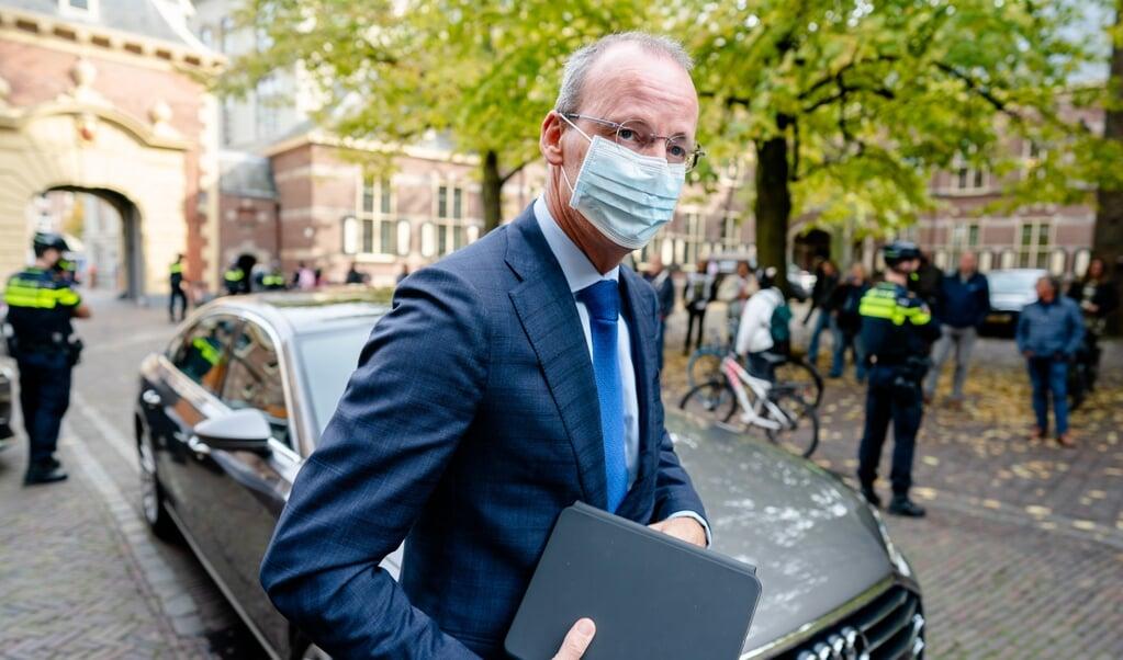 President Klaas Knot van De Nederlandsche Bank adviseert vervuilende activiteiten zwaarder te belasten.  (beeld anp / Bart Maat)