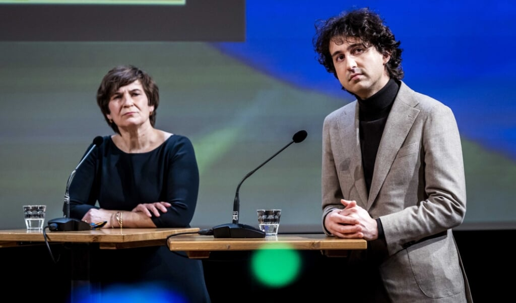 Lilianne Ploumen (PvdA) en Jesse Klaver (GroenLinks).  (beeld epa / Remko de Waal)