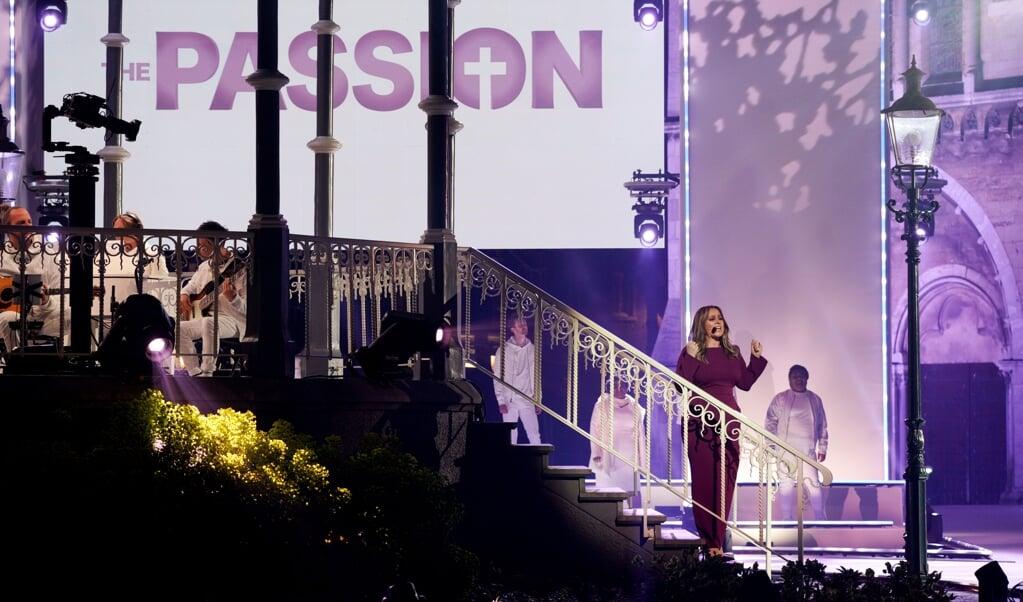 Trijntje Oosterhuis als Maria tijdens The Passion.  (beeld anp / Rob Engelaar)