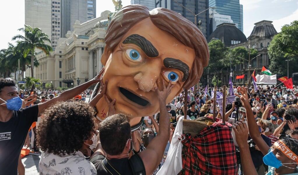 Antiregeringsdemonstratie in de Braziliaanse hoofdstad Rio de Janeiro, afgelopen weekend.  (beeld epa / Andreã Coelho)