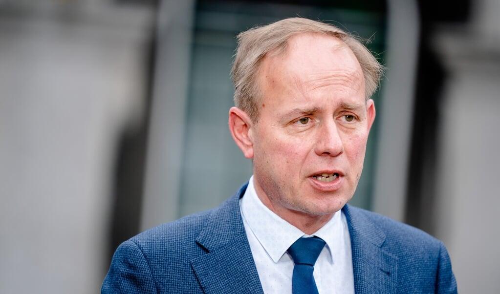 Van der Staaij adviseert de nieuwe Kamerleden ook zich te beperken. 'Je kunt rennen van het ene naar het andere debat, maar je kunt ook selectiever zijn.'  (beeld anp / Bart Maat)