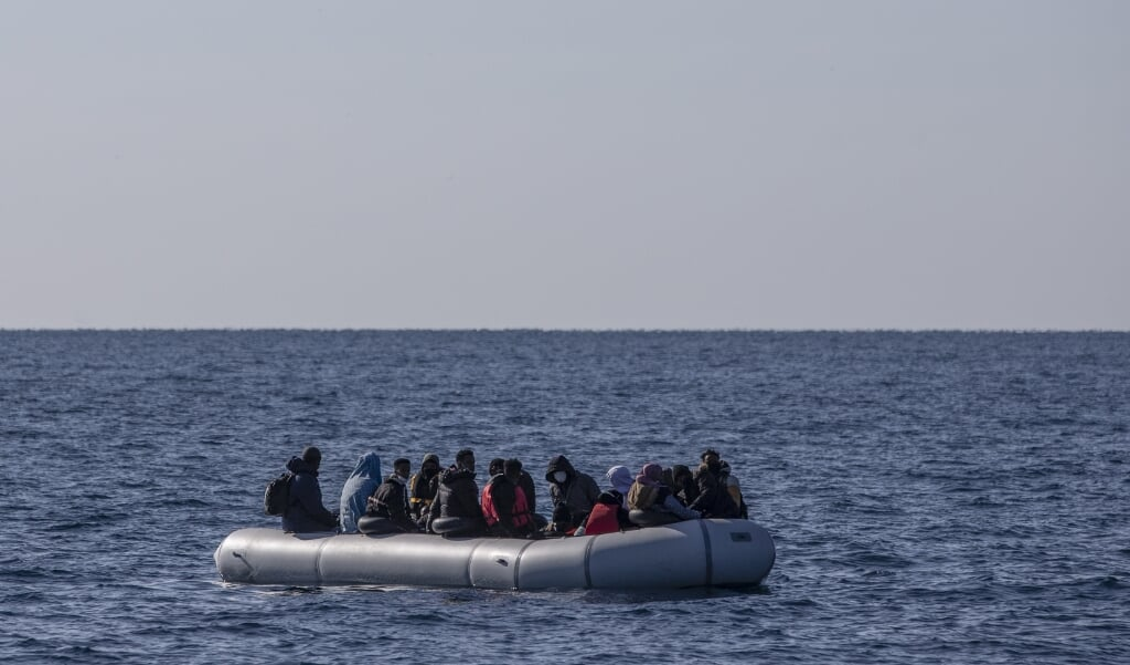The Guardian komt met het onderzoek, dat ook de beschuldigende vinger uitsteekt naar het Europese agentschap voor grensbewaking Frontex.  (beeld epa / Erdem Sahin)