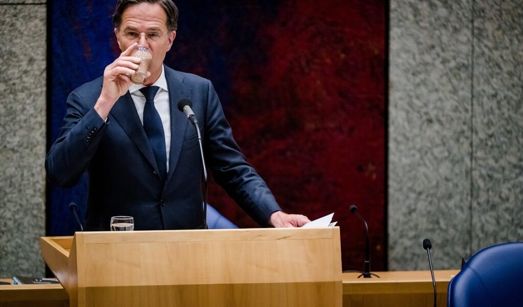 Ondanks een aanhoudend gebrek aan vertrouwen bij andere partijen, koerst VVD-leider Mark Rutte zelfverzekerd af op zijn vierde kabinet.  (beeld anp / Bart Maat)