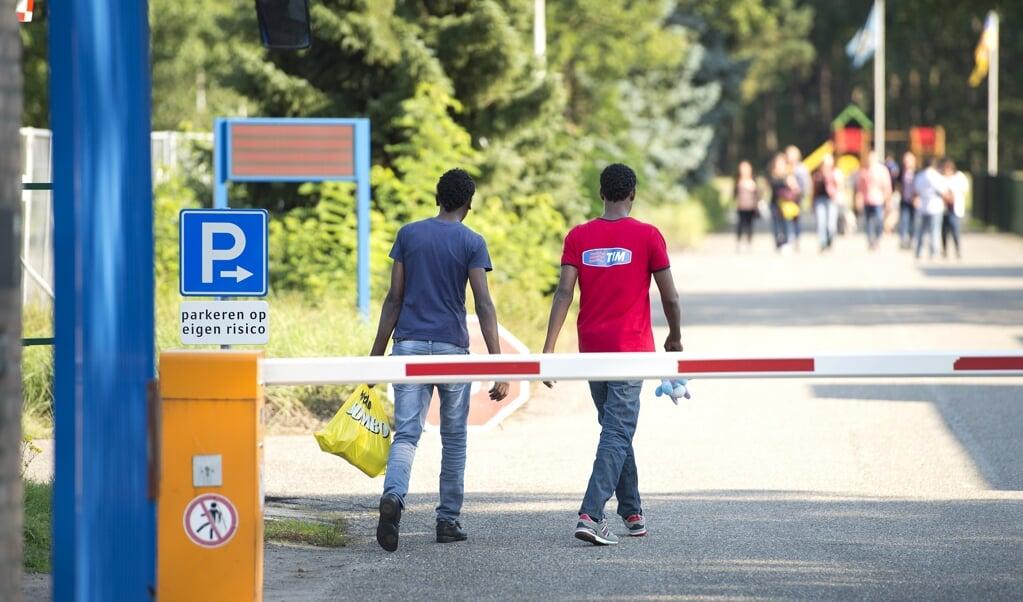 Een aanmeldcentrum voor asiel.  (beeld anp / Marcel van Hoorn)