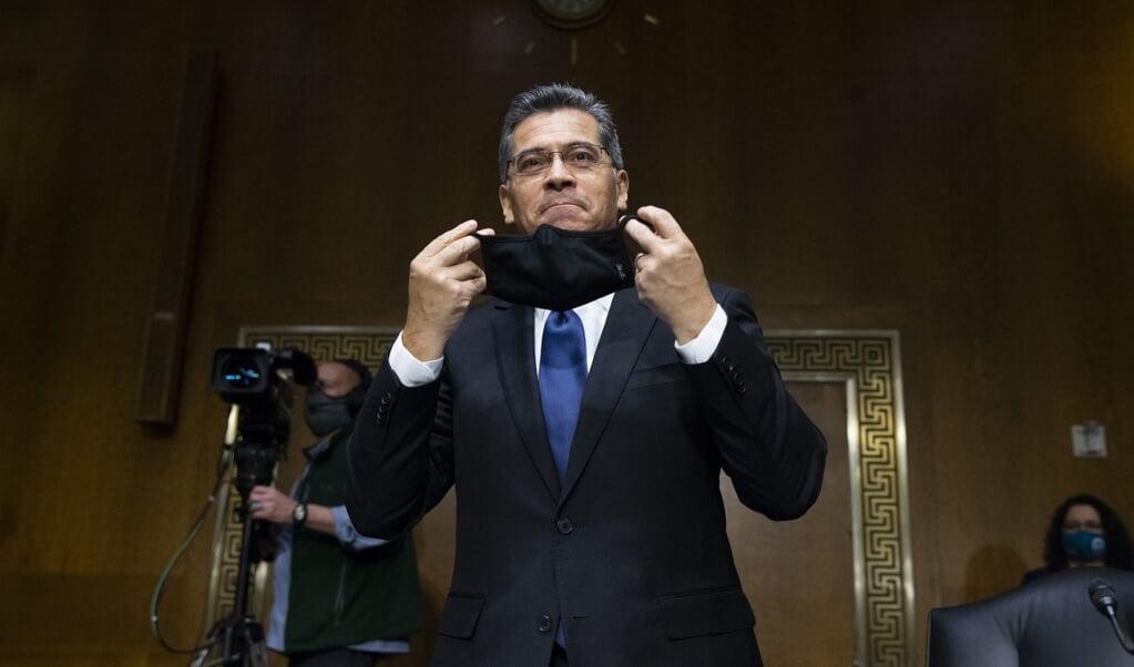 De Amerikaanse minister van Volksgezondheid Xavier Becerra  (beeld afp)