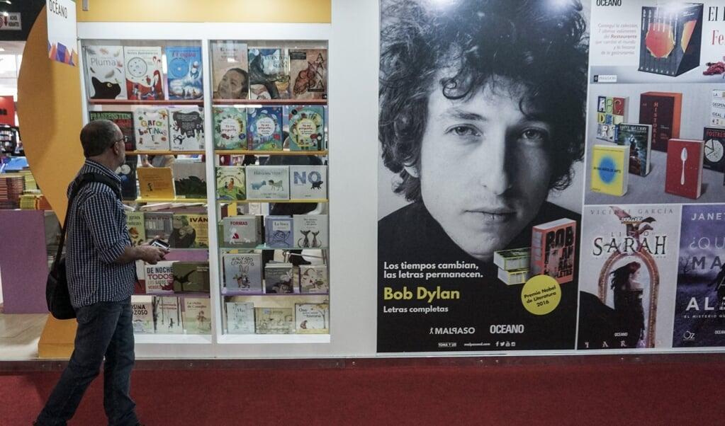 De tachtigste verjaardag van Bob Dylan is aanleiding voor een hausse aan berichtgeving.  (beeld afp / Eitan)