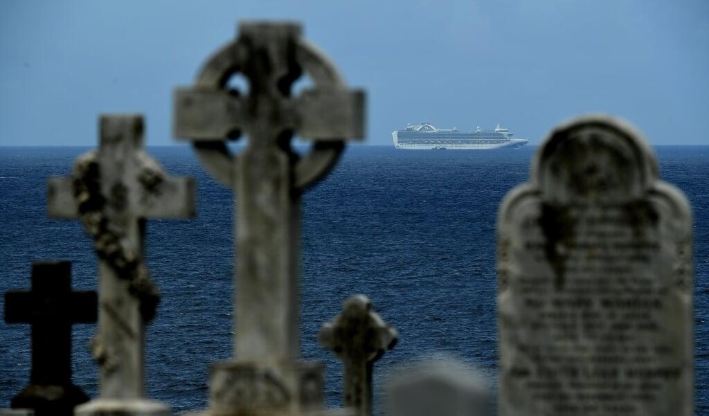 Een begraafplaats aan zee in de Australische stad Sydney.  (beeld Epa / Joel Carrett)