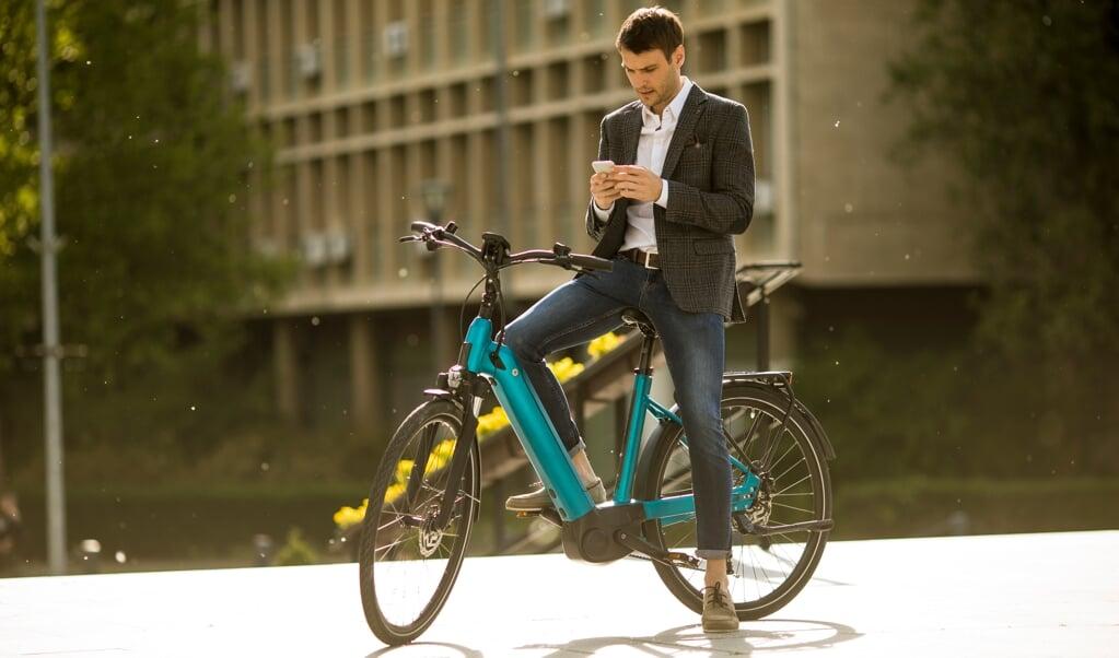 Ontdoe de fiets van de zaak van fiscale regels en maak het een aantrekkelijk alternatief voor werkgever en werknemer.  (beeld iStock)