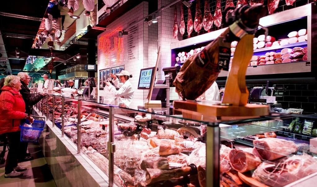 De vleesafdeling van de Valk Versmarkt.  (beeld anp / Xtra Koen van Weel)