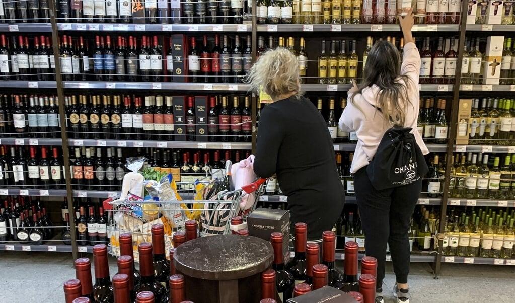 'Wij zijn voor een totaalverbod op prijsstunten met alcohol.'  (beeld afp / Martin Bernetti)