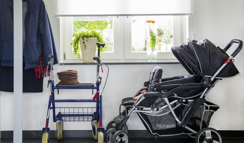 'Informele en formele zorg kan bijdragen aan langer thuis blijven wonen voor zorgvragers, en de mantelzorgers kunnen hiermee stevig ontlast worden.'  (beeld anp / Piroschka van de Wouw)