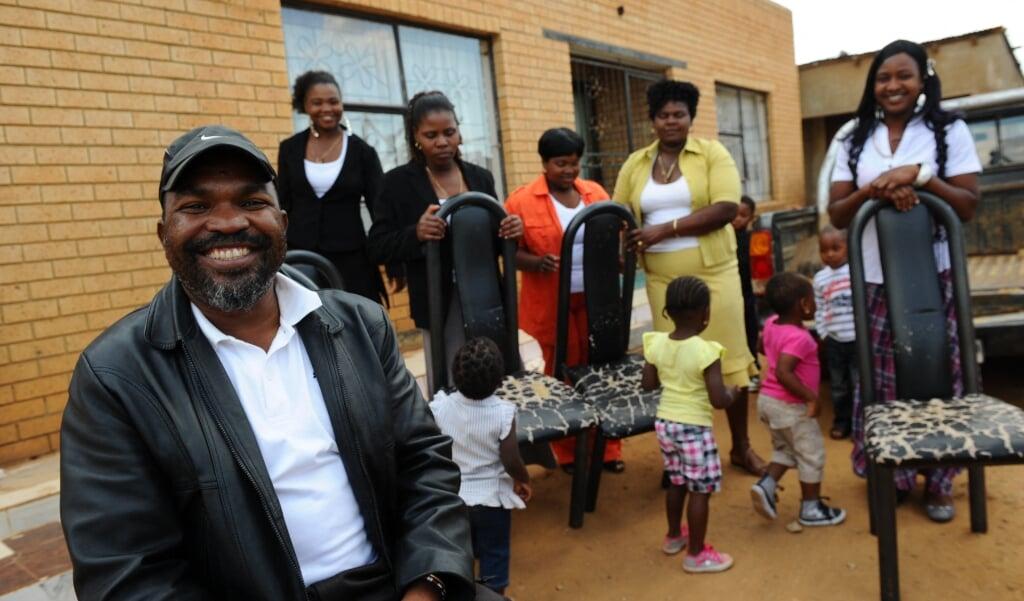 In Zuid-Afrika is het sinds 1998 legaal om als man te trouwen met meer dan één vrouw (polygynie).   (beeld afp / Alexander Joe)