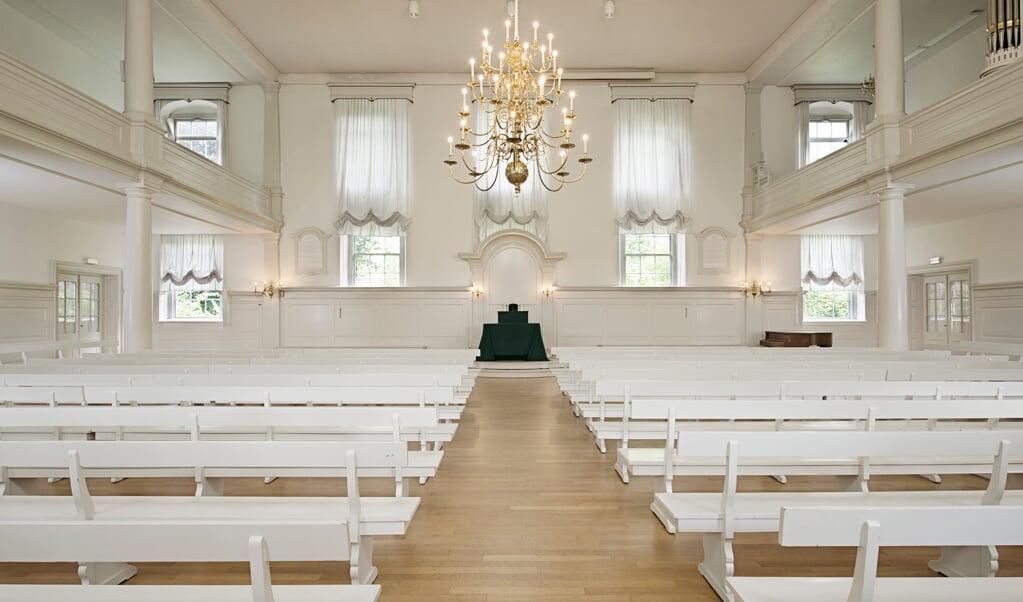Het interieur van de Evangelische Broedergemeente in Zeist.  (beeld Arjan Bronkhorst)