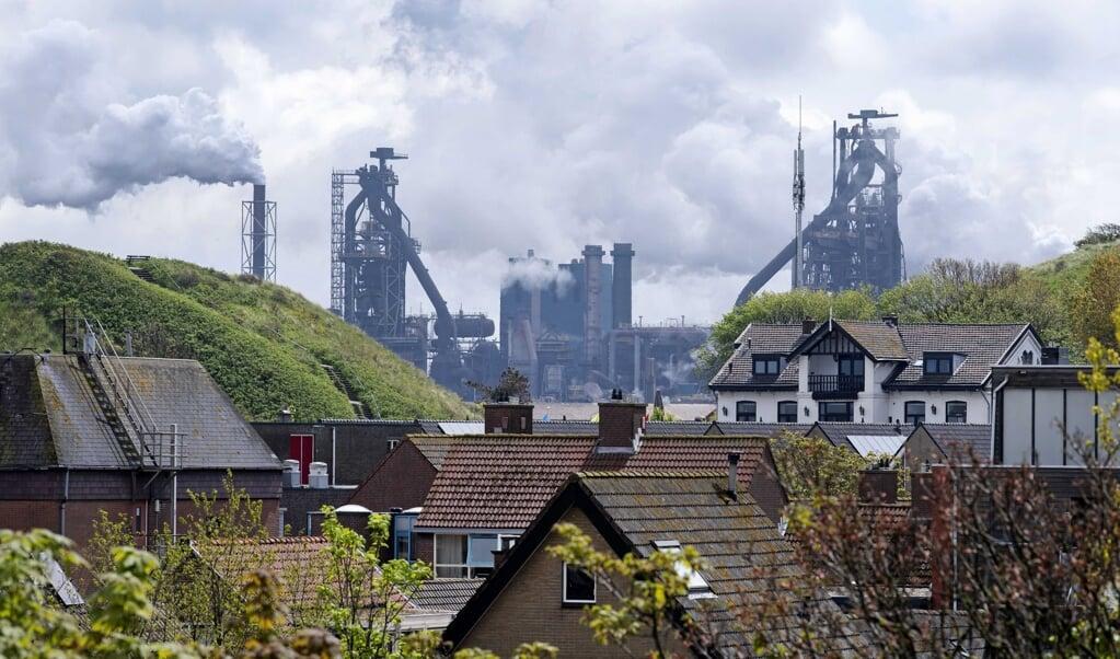 Tata Steel in Wijk aan Zee.  (beeld Epa/olaf Kraak)