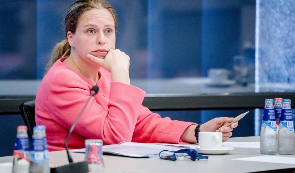 2021-06-30 16:32:57 DEN HAAG - Demissionair minister Carola Schouten (Landbouw, Natuur en Voedselkwaliteit) tijdens een debat over onder meer het pulsverbod. Nederlandse ambtenaren op het ministerie van Landbouw hebben gesjoemeld met rekensommen om zo veel mogelijk vissers te laten pulsvissen. ANP BART MAAT  (beeld anp / Bart Maat)