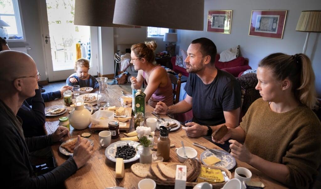 Volgens architecte Andrea Prins gaat het bij wonen om thuis komen, ergens in de wereld thuis zijn.  (beeld getty images)