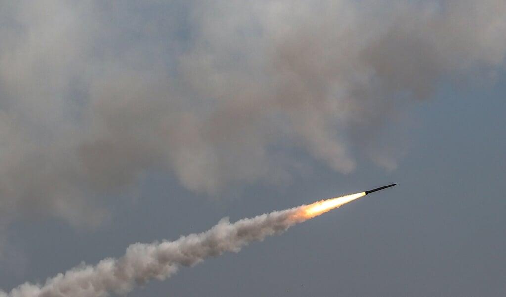 Het raketsalvo van Hamas was een boodschap naar zowel de Palestijnse Autoriteit als Israël zelf dat de organisatie en haar aanhang in de Gazastrook nog steeds aanwezig zijn en niet van plan zijn weg te gaan.   (beeld epa / Haitham Imad)