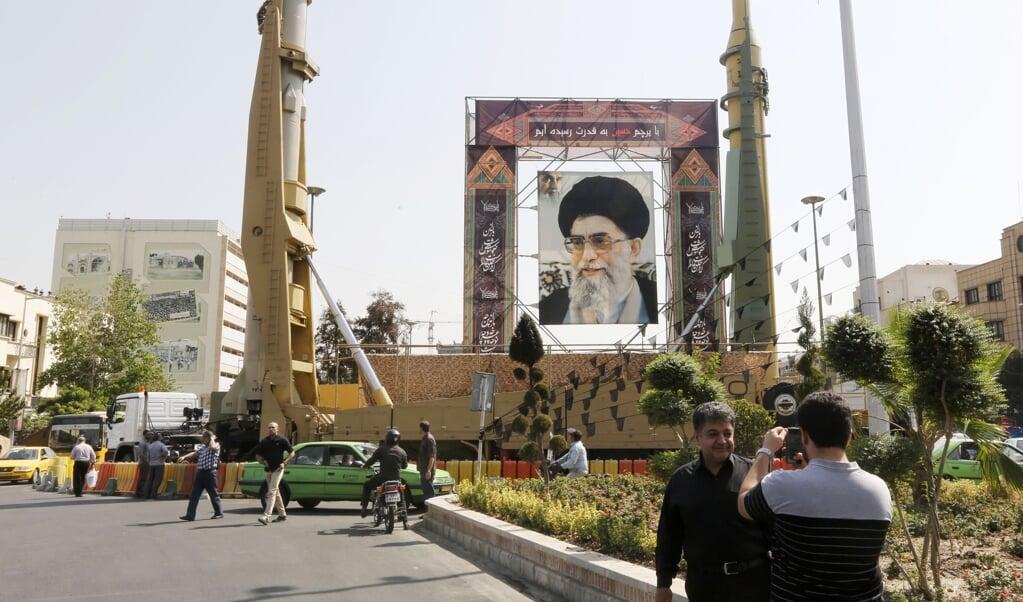 Het Iraanse ballistische raketprogramma is 'niet-onderhandelbaar' zegt de nieuw verkozen president Raisi.  (beeld afp / Atta Kenare)