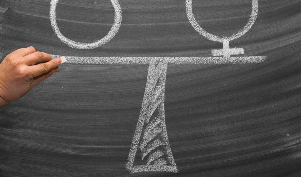 Mannen moeten zich bewuster worden van hun gedrag, mede-mannen aanspreken op seksistisch gedrag en zo samen als mannen en vrouwen bijdragen aan een wereld waarin vrouwen en mannen werkelijk gelijkwaardig zijn.  (beeld Getty Images)